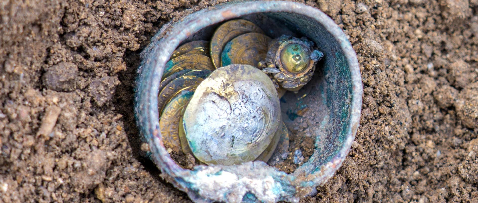 العثور على آثار في قيسارية