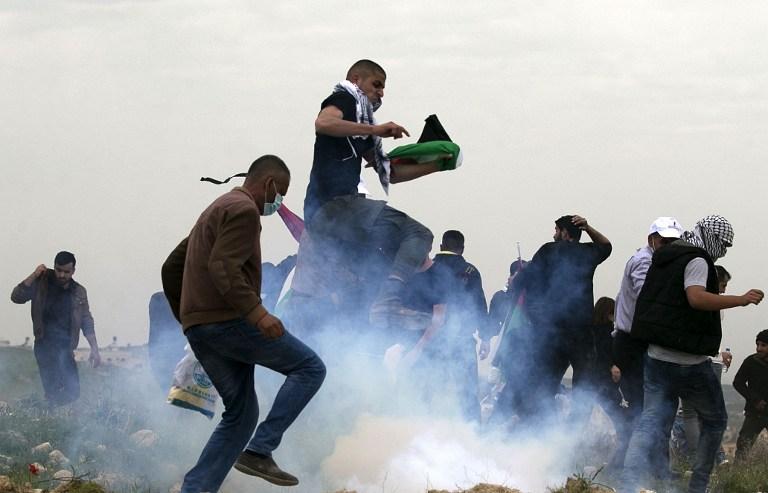غاز اسرائيلي لقمع الفلسطينيين