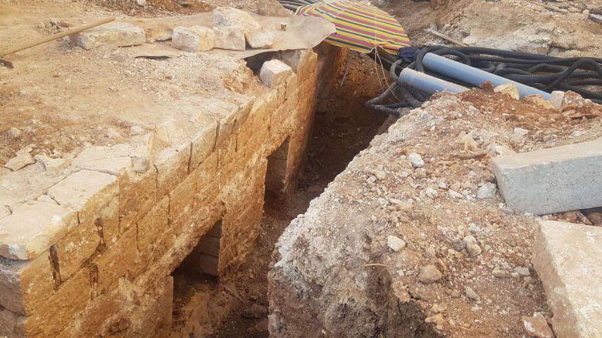 نبش قبور في مقبرة مأمن الله