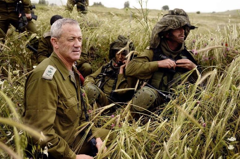 غانتس : نتنياهو جعل الاسرائيليين رهينة بيد حماس