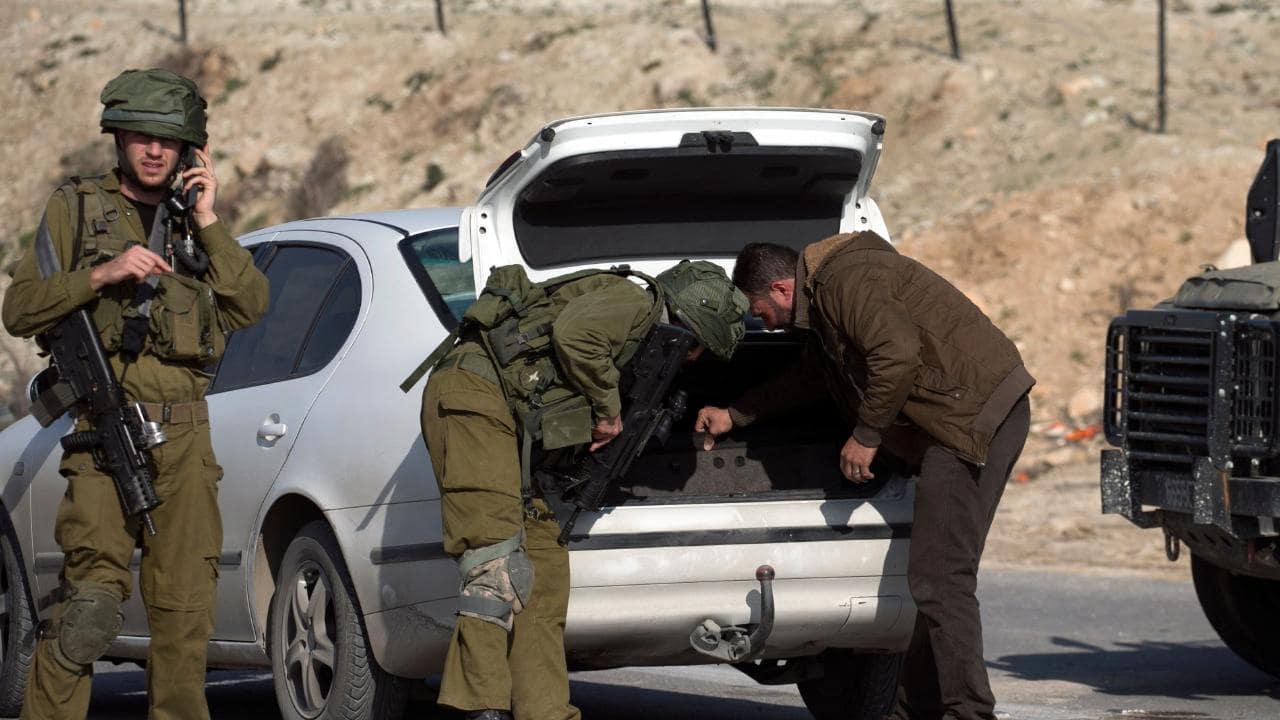 نتيجة بحث الصور عن حواجز اسرائيلية