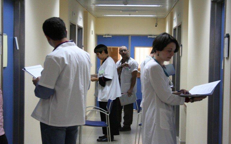 الصحة توقف التحويلات الطبية الى اسرائيل بدء من اليوم
